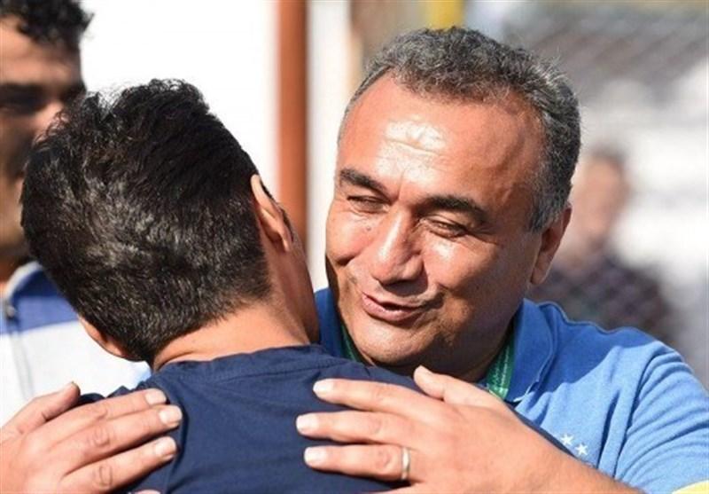 پیکر مرحوم دستنشان در آغوش خاک آرام گرفت
