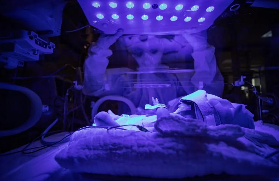 نوزاد مبتلا به کرونا در بیمارستان استانبول ترکیه