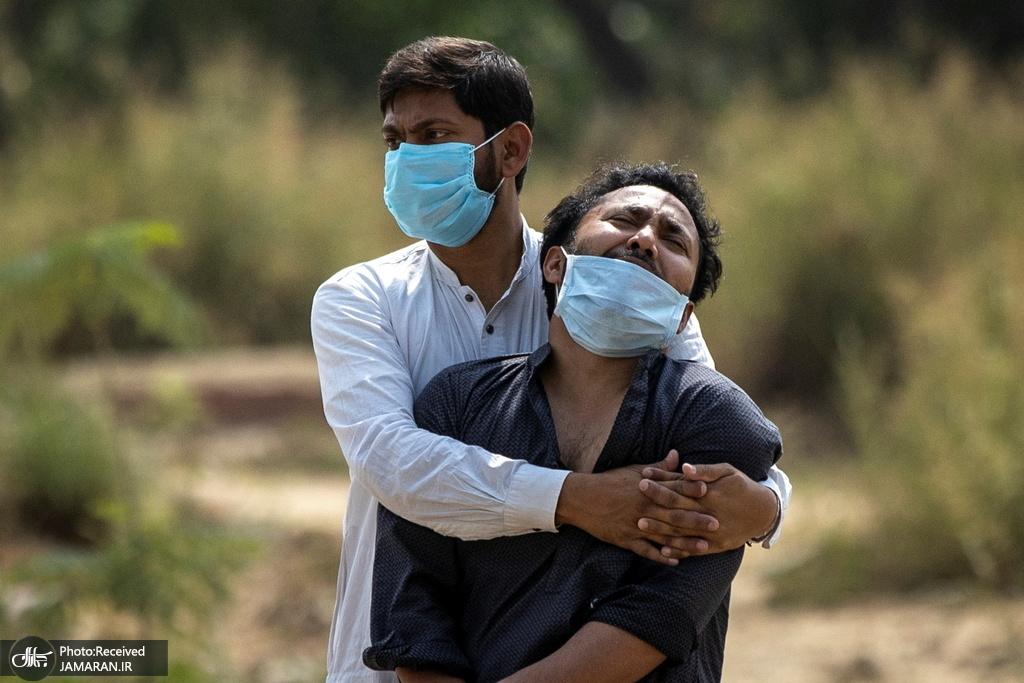 ناله های پسر مردی که بر اثر کرونا فوت کرده در هند