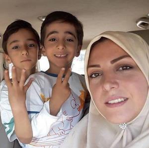 چهرهها/ سلفی المیرا شریفی مقدم و پسراش
