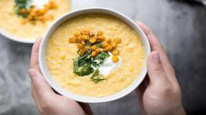 طرز تهیه سوپ ذرت شیرین خوشمزه و مقوی مخصوص ماه رمضان