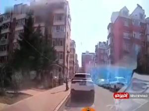 لحظه انفجار یک منزل مسکونی به دلیل نشت گاز