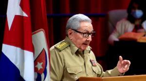 رائول کاسترو از رهبری حزب کمونیست کوبا کنارهگیری کرد