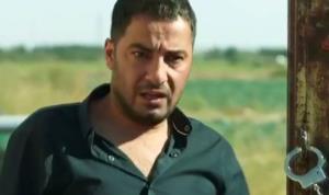 سکانس گیرافتادن «نوید محمدزاده» در فیلم «متری شیش و نیم»