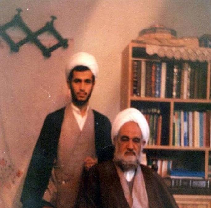 عکس قدیمی از حجت الاسلام علیرضا پناهیان در کنار پدر