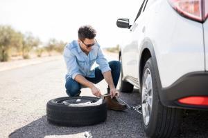 آموزش ساده تعویض لاستیک خودرو