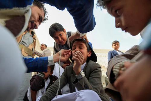 سنت سرمه کشیدن به چشم در ماه رمضان