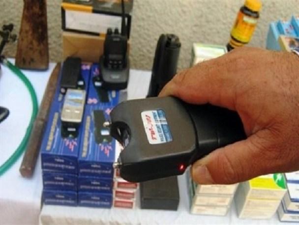 فروش اقلام غیر مجاز و سلاح سرد در بزرگترین مرکز خرید زاهدان