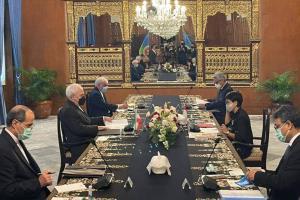 گزارش توییتری ظریف از سفر خود به اندونزی