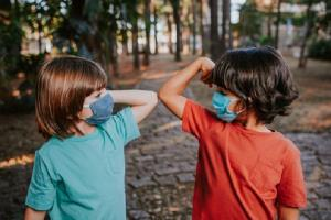 چگونه از کودکان مان در دوران ویروس کرونا حمایت کنیم؟