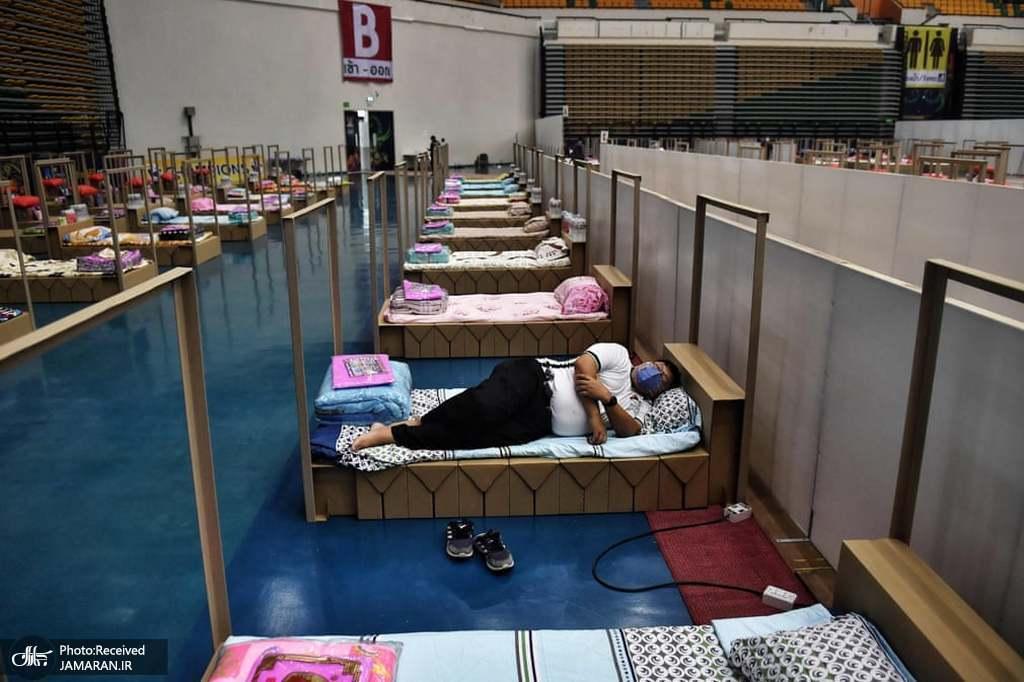 بیمارستان صحرایی در یک استادیوم ورزشی در حومه بانکوک برای بیماران کرونایی