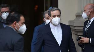 عراقچی: اجازه وقتکشی نمیدهیم؛ تصمیمات در تهران گرفته میشود