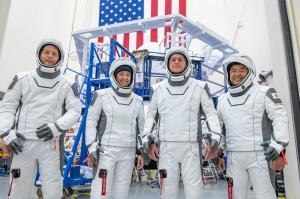 فضانوردان آخر هفته به ایستگاه فضایی میروند