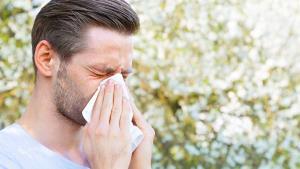 رئیس علومپزشکی بهبهان: علائم آلرژیهای بهار نشانه ابتلا به کرونا هستند