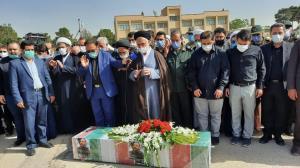 اقامه نماز بر پیکر سردار شهید حجازیدر اصفهان
