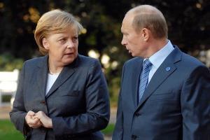 مرکل: حضور نظامی روسیه در مرز اوکراین هشدارآمیز است