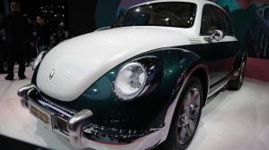 خودروی برقی شبیه به فولکس بیتل؛ تازهترین کپیکاری چینیها در نمایشگاه شانگهای