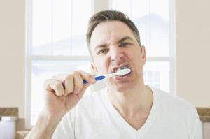 سلامت خوب دهان و دندان به پیشگیری از عفونت قلبی کمک می کند