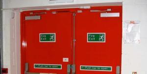 الزام نصب درب ضد حریق و آسانسورهای برانکاردبر در ساختمانهای کرمانشاه