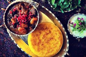 سحری بپزیم؛ خورشت آلو مسمای خوش طعم از غذاهای اصیل گیلانی