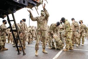 توماس فریدمن: خروج آمریکا از افغانستان انتخاب است یا ضرورت؟