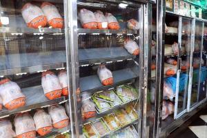 توزیع ۲۳۳۱ تن مرغ گرم در بازار قزوین