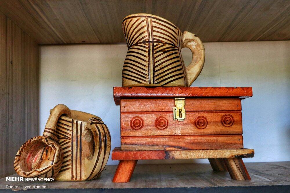 عکس/ هنر زیبای لاک تراشی در مازندران