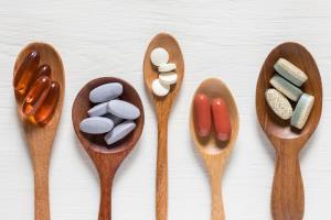 پژوهشگران از کاهش ابتلای زنان به کرونا با مصرف امگا ۳ و ویتامین D خبر میدهند