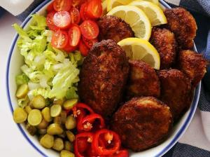افطاری بپزیم؛ کتلت گوشت چرخ کرده غذای نونی پرطرفدار