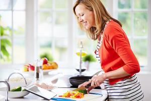 غذاهایی که بیشتر خانم ها اشتباه مصرف میکنند