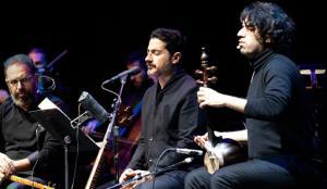 اجرای آهنگ «ابر می بارد» توسط همایون شجریان در کنسرت سال 96