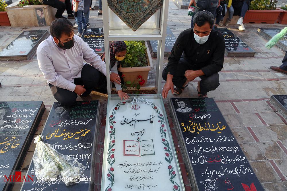 عکس/ ترتیل خوانی قرآن کریم در گلزار شهدای کرمان