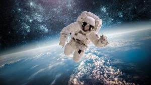 رئیس سازمان فضایی: اعزام انسان به فضا تا سال ۱۴۰۷