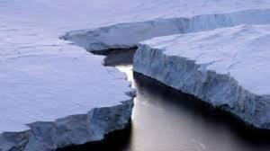 تصاویری از ذوب شدن بزرگترین کوه یخی جهان
