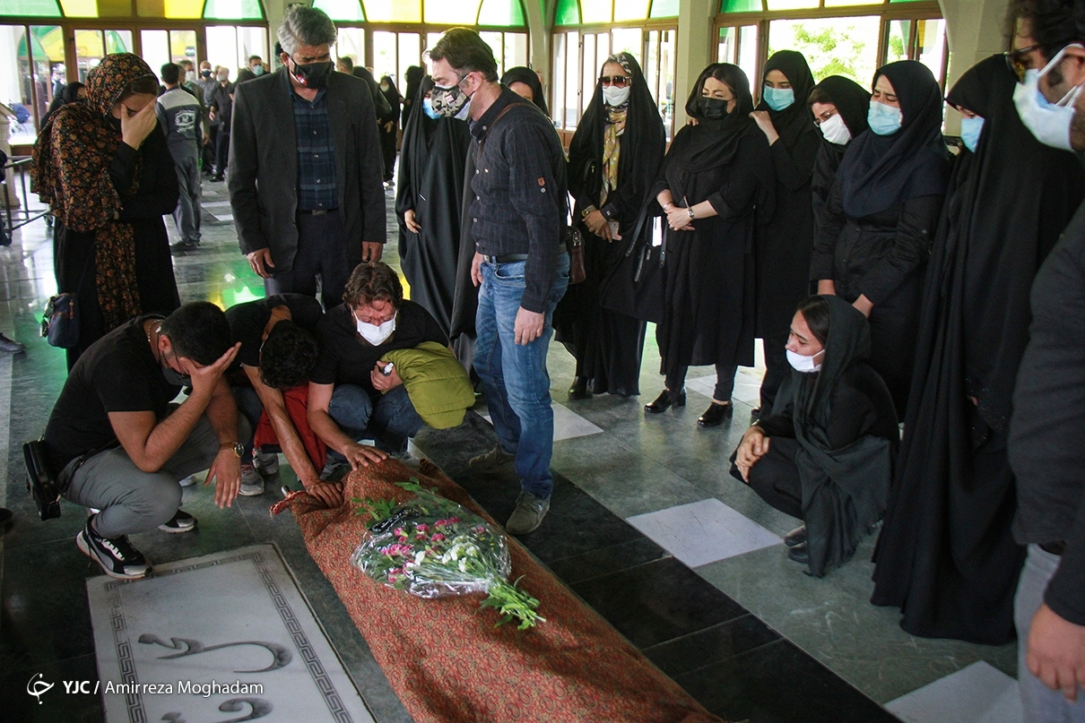 عکس/ انتقال پیکر مرحوم اشکان منصوری به زادگاهش