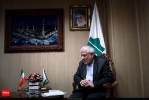 انتقاد و تمجید بادامچیان از احمدی نژاد