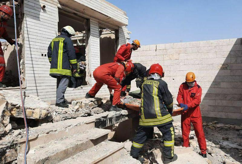 ریزش آوار بنای در حال تخریب ۲ کشته در مشهد بر جای گذاشت