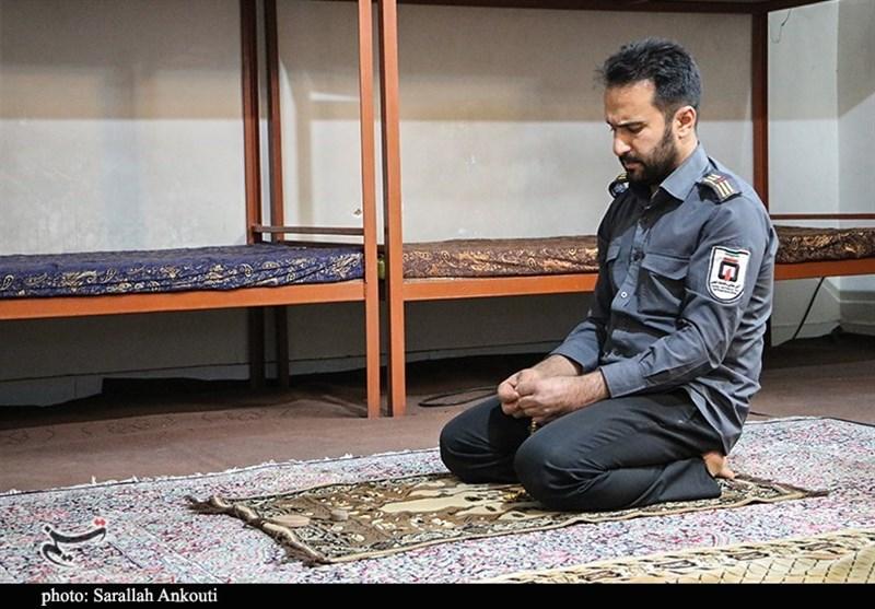 ضیافت افطار در ایستگاه آتشنشانی کرمان به روایت تصویر