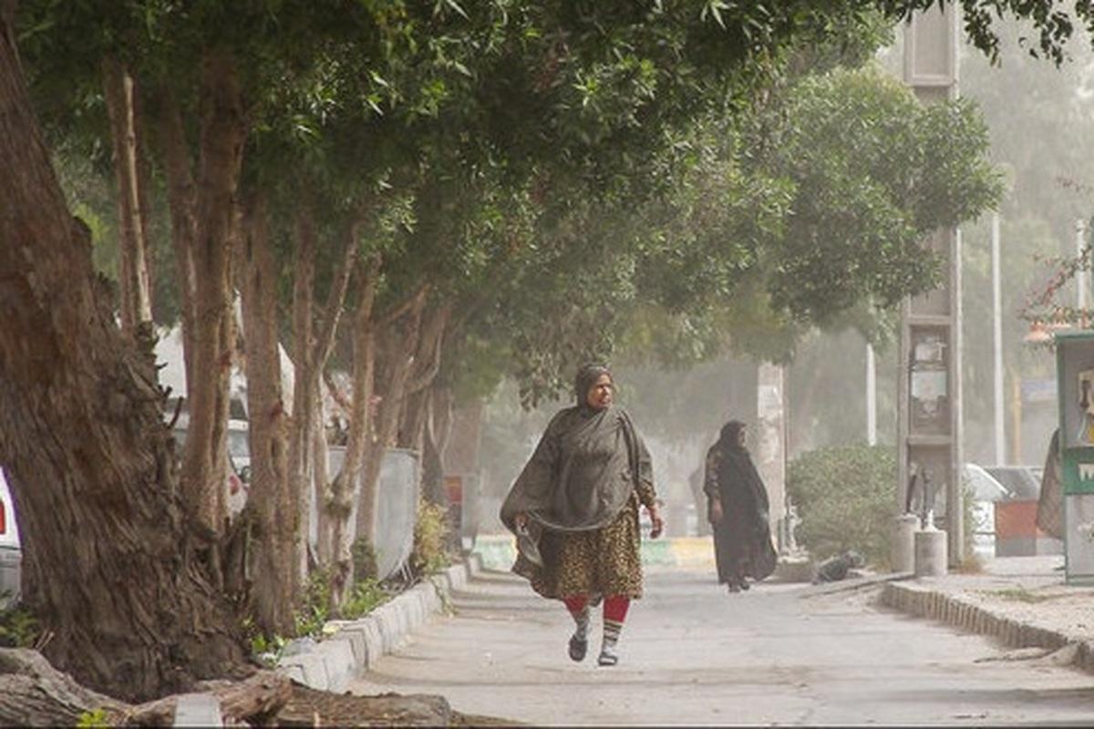 کیفیت هوا بندرعباس برای همه گروهها ناسالم است