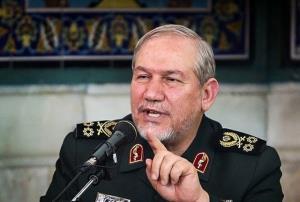 سرلشکر صفوی با خانواده سردار شهید حجازی دیدار کرد