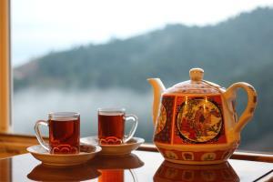 نوشیدن زیاد چای در وعده سحری موجب از دست رفتن نمکهای معدنی بدن میشود