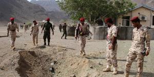 حمله موشکی به مقر وزارت دفاع دولت هادی؛ یک فرمانده ارشد کشته شد