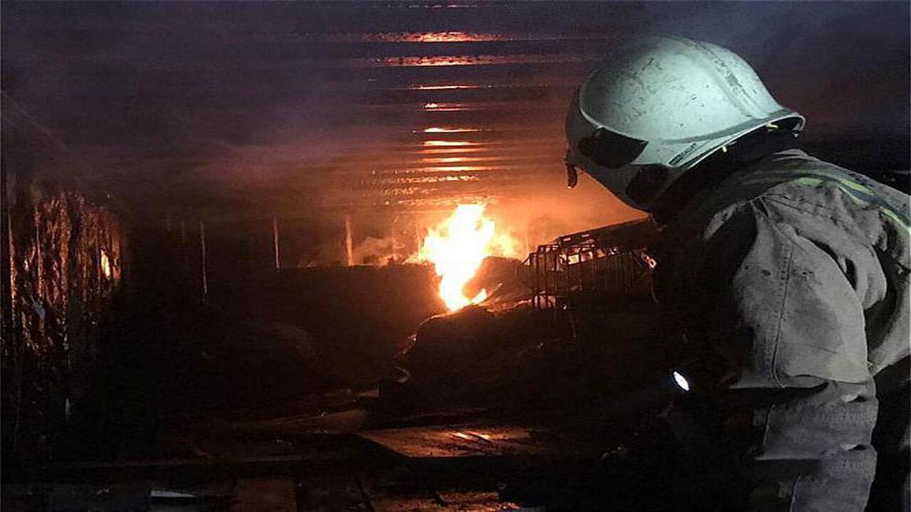 آتشسوزی کانکس در اصلاندوز مغان ۲ کارگر را به کام مرگ کشاند