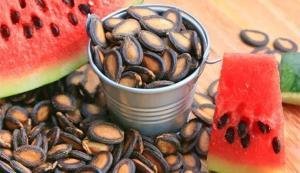 استخوانهایتان را با دانههای یک میوه تابستانی مستحکم کنید