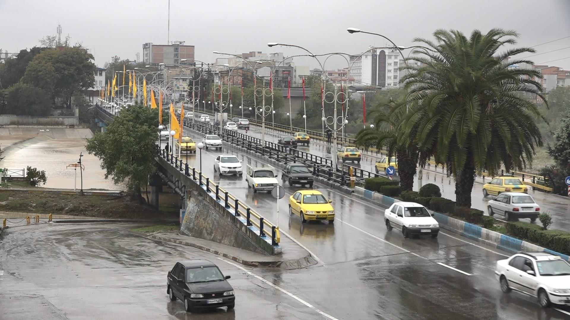 رگبار باران و رعد و برق در مازندران