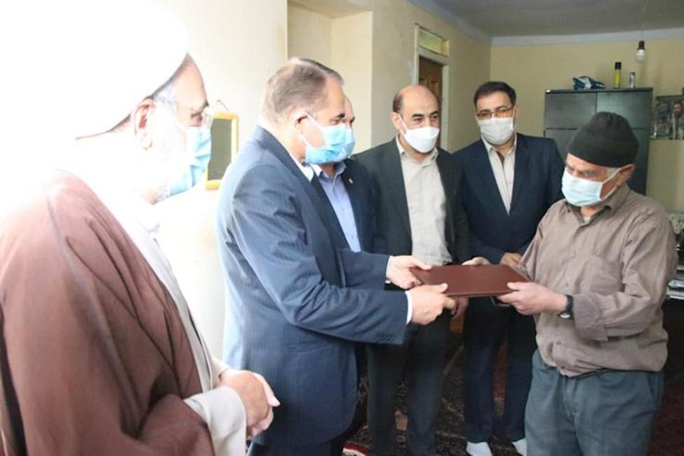 سخاوت پیرمرد کفاش زنجانی برای رهایی یک زندانی