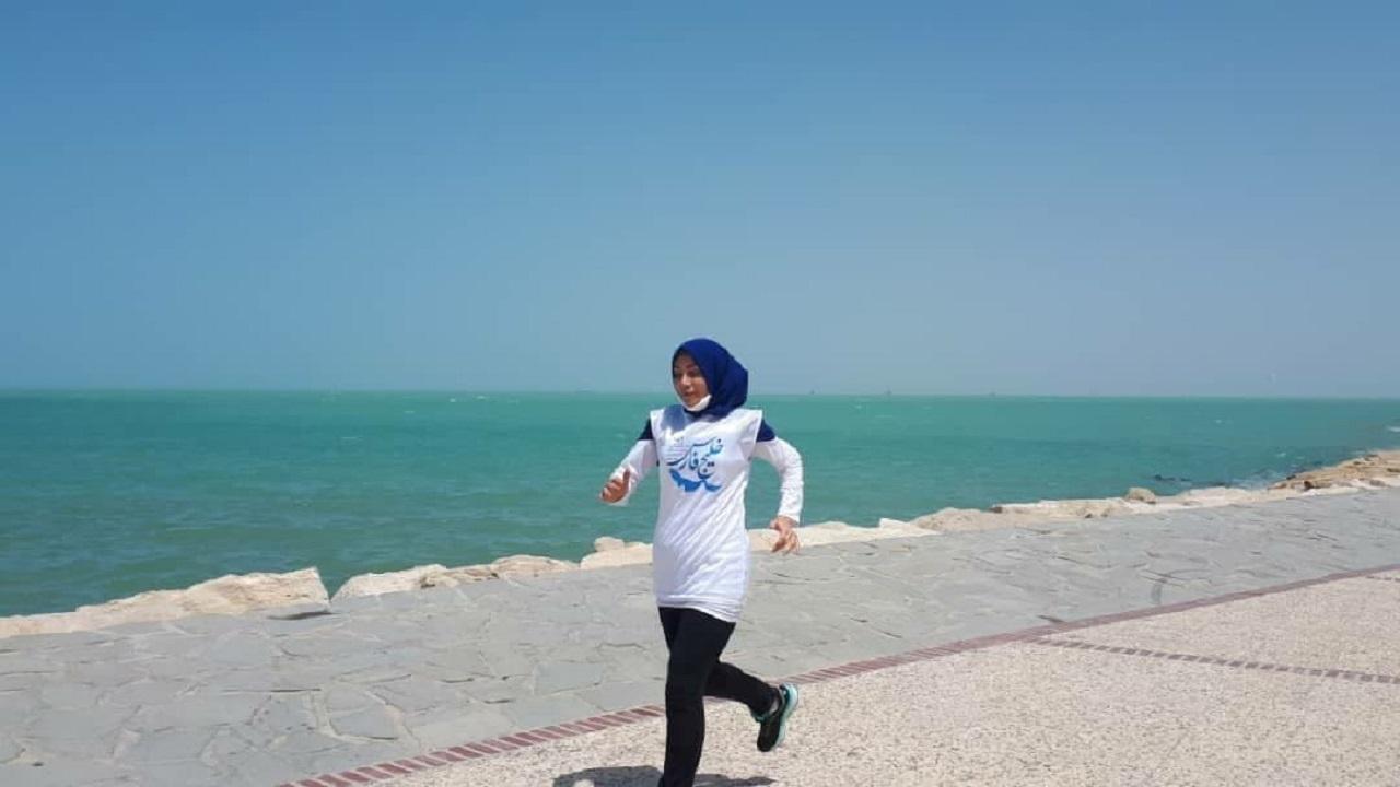 بانوی دونده بوشهری مسافت ۱۰ کیلومتری ساحل خلیج فارس را دوید