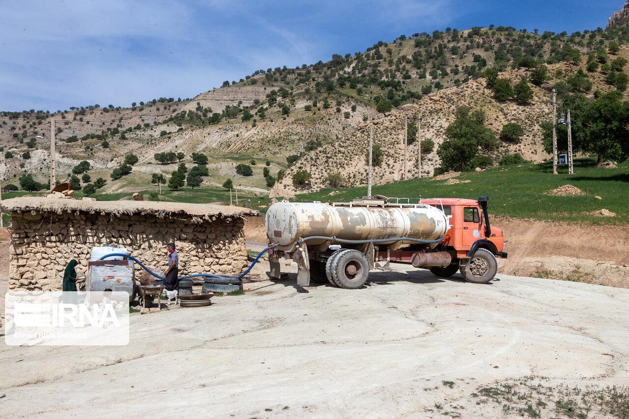 آب آشامیدنی حدود ۲ هزار خانوار عشایر شیروان با تانکر تامین میشود