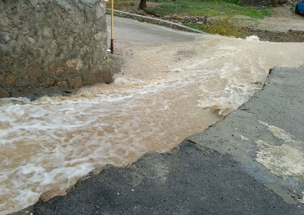هشدار هواشناسی یزد نسبت به جاری شدن سیلاب در رودخانههای فصلی