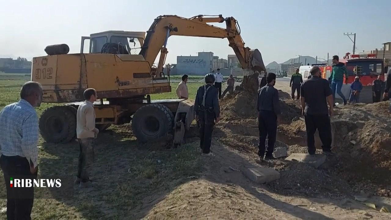 نجات ۲ کارگر از زیر آوار کانال حفر فاضلاب در فلاورجان